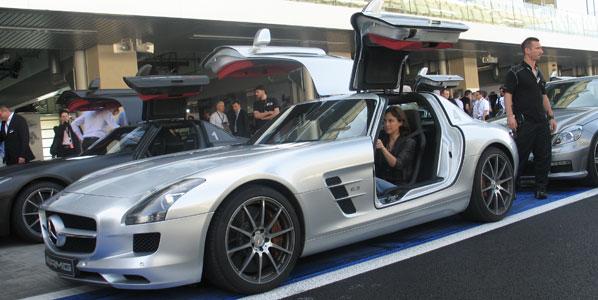 Rodamos con el Mercedes SLS AMG, en Abu Dhabi