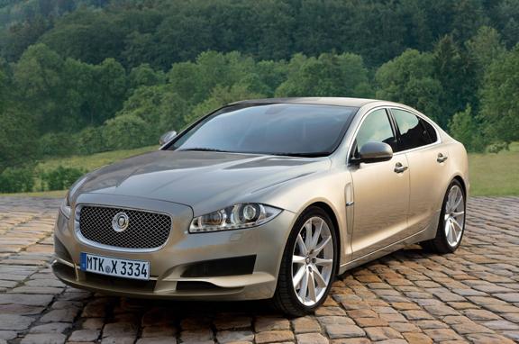 Los coches de lujo que vienen: Jaguar berlina pequeña.