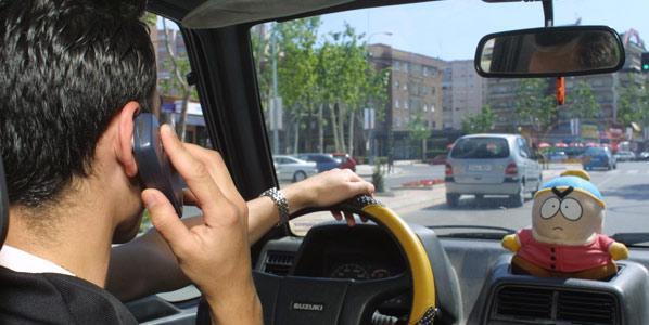 El móvil, principal distracción al volante