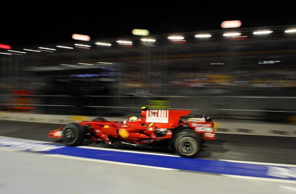 "Massa ""pole"", Alonso 15º"