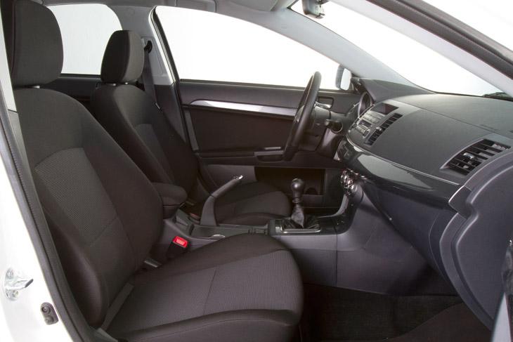 Mitsubishi Lancer Sportback 200 DI-D Motion