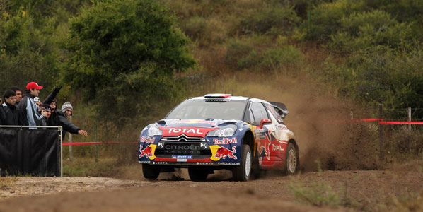 Loeb comanda la carrera