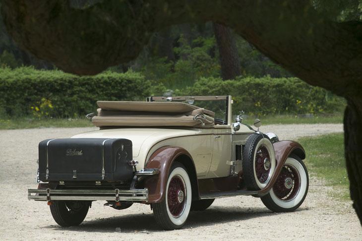 El Packard Custom Eight posee un chasis más robusto y pesado que el de la mayoría de camiones de su época.