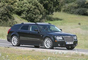 Chrysler 300C Touring SRT