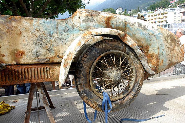 Un Bugatti Type 13 rescatado del fondo de un lago