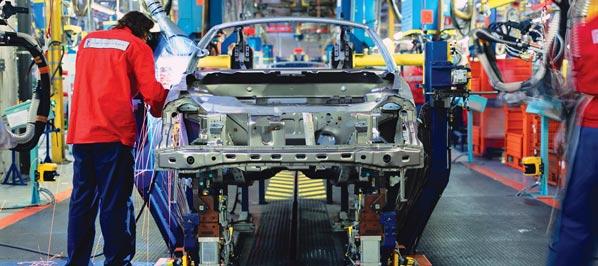 Cae el déficit comercial del automóvil