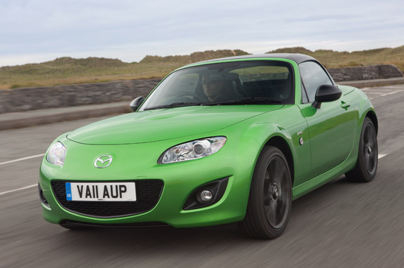Mazda MX-5 y Mazda 2 Black Limited Edition