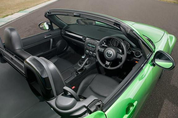 Mazda MX-5 y Mazda 2 Black Limited Edition
