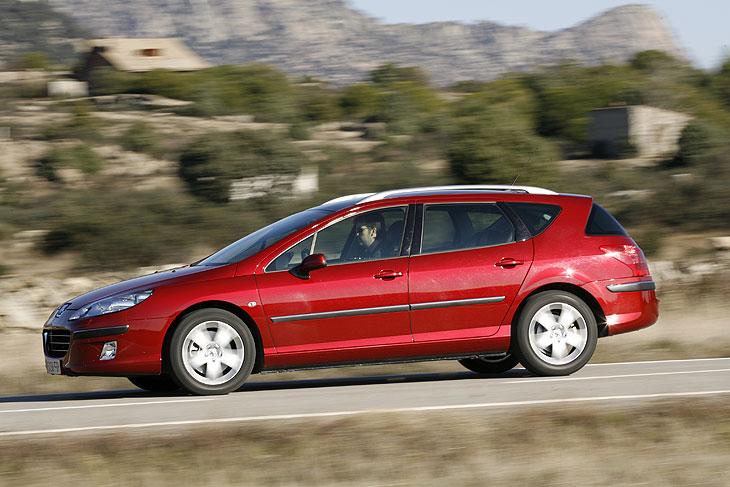 Peugeot asegura que no es un wagon al uso: estamos ante un Sport Wagon.