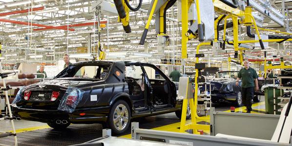 FMI: ayudas al motor, proteccionistas