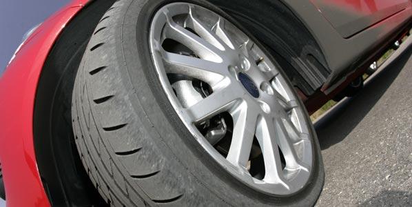Ahorrar en neumáticos, peligroso