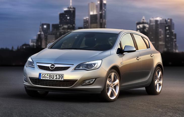 Opel Astra, ahora con Stop/Start.