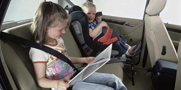 Los niños en los taxis, siempre con sillita