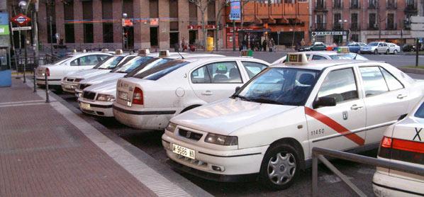 Piden protección para el sector del taxi