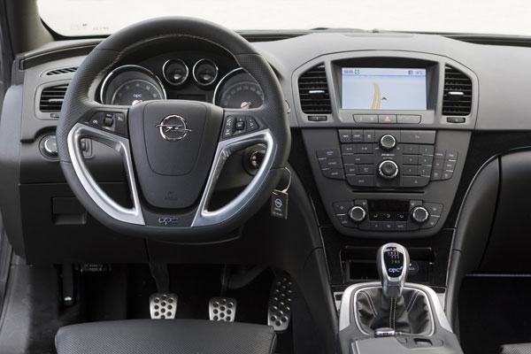 Opel Insignia OPC vs Audi S4