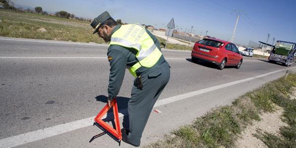 Las muertes en carretera se reducen a la mitad