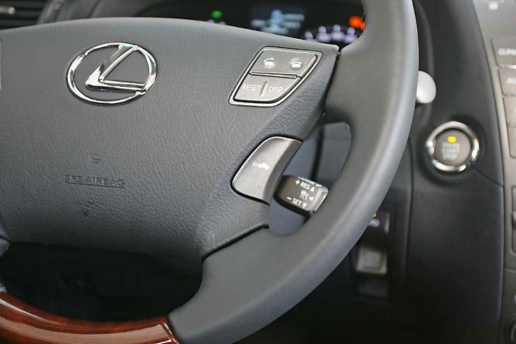 Lexus LS 460: interiores