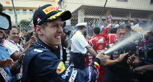 F1: Vettel suma y sigue en Mónaco