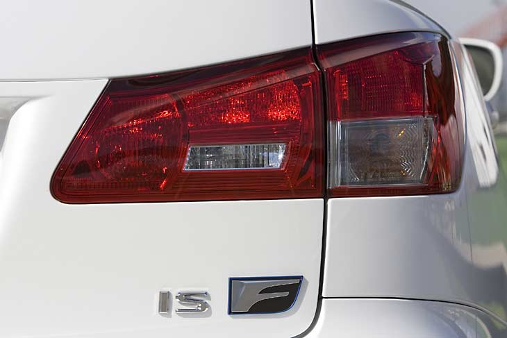Lexus ISF detalles