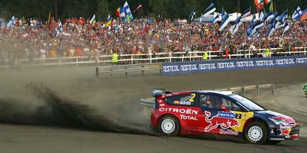 Citroën y Ford siguen, Loeb comienza ganando