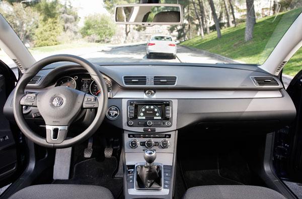 Audi A4 2.0 TDI  contra VW Passat 2.0 TDI
