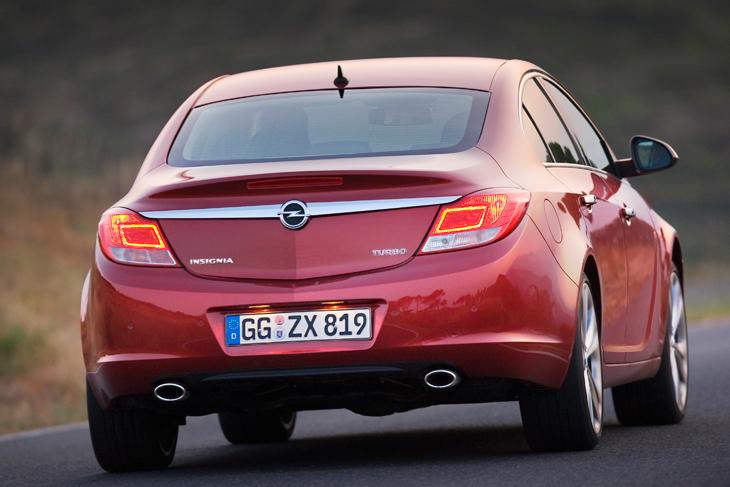 Contacto Opel Insignia