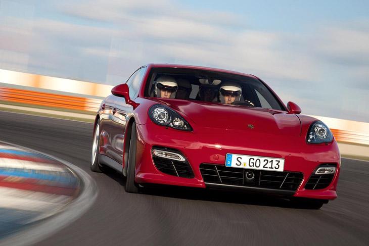 Porsche Panamera GTS, contacto