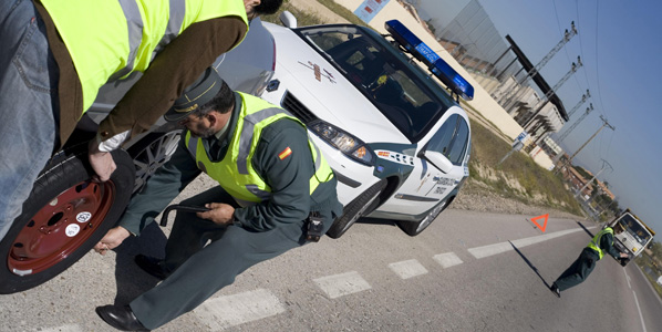 La Guardia Civil no puede denunciar malas carreteras