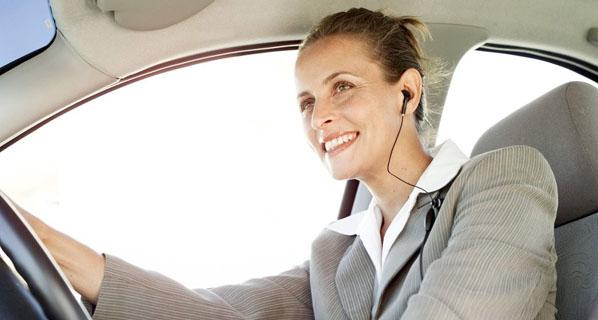 El número de mujeres que tienen miedo a conducir en España duplica al de hombres