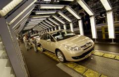 Las ventas de coches en 2006 bajaron un dos por ciento