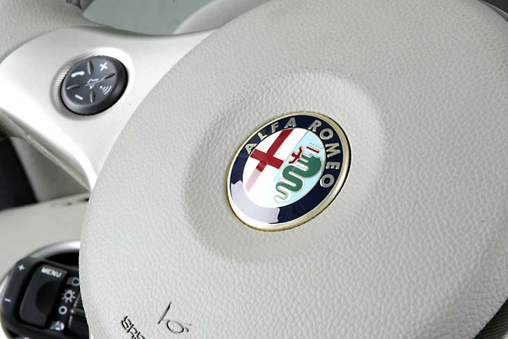 Alfa 159 1.9 JTD interior
