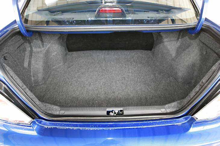 El Subaru Impreza 1.5i ofrece una excelente capacidad de maletero