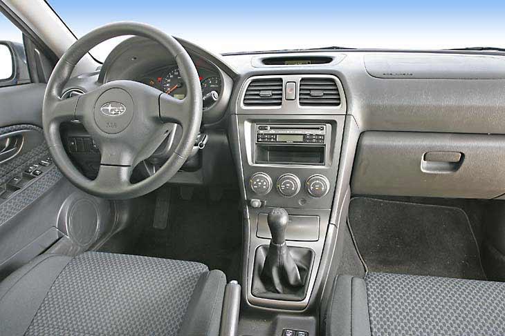 En el Impreza, la postura de conducción, a pesar de que el volante sólo es regulable en altura, es muy buena
