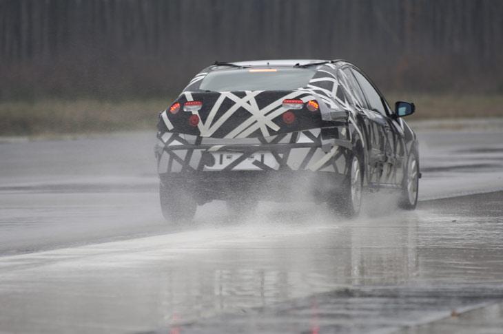 El Renault Laguna, camuflado