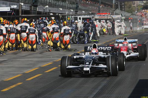 Rosberg y Nakajima continuarán en Williams