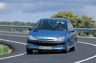 Peugeot 206 1.6 XT 5p / Rover 25 1.6 Classic 5p
