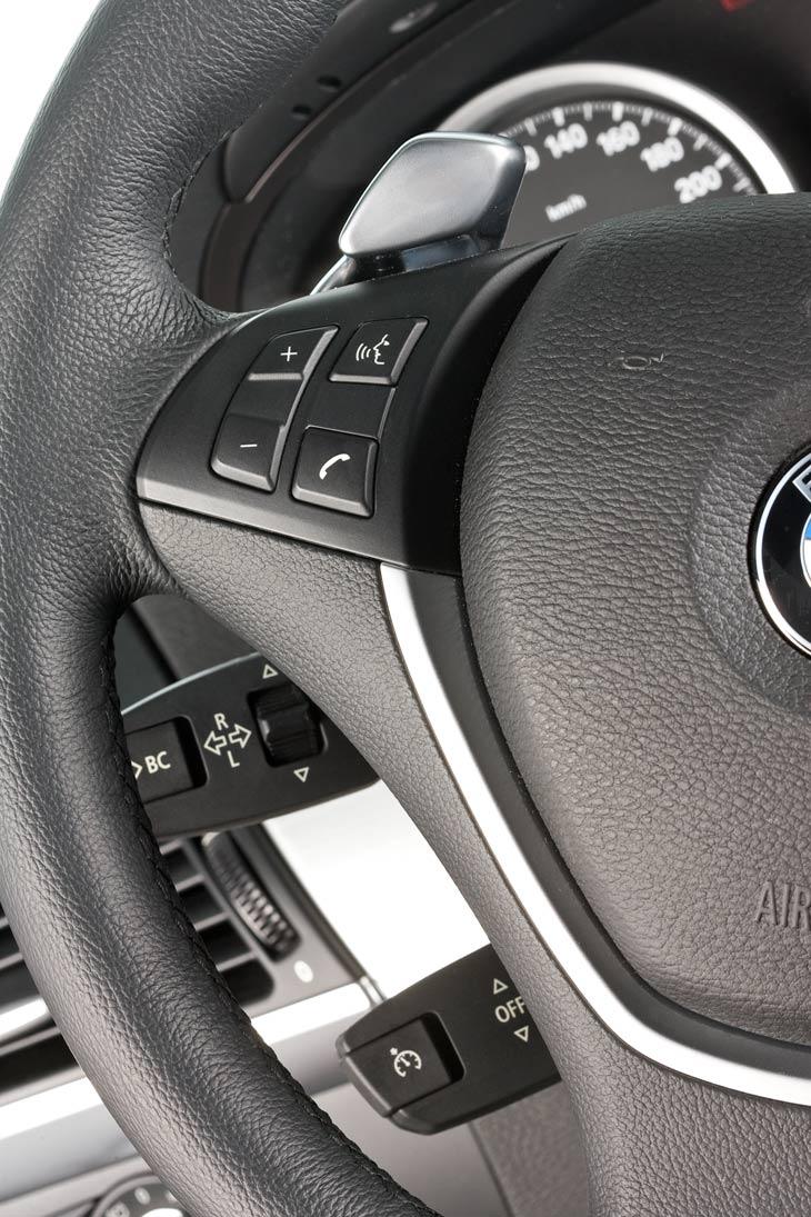 BMW X6 XDrive 5.0i, Infiniti FX 50 S y Porsche Cayenne S al detalle