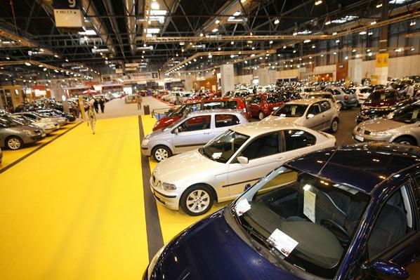 Comprar coche, prioridad para los españoles