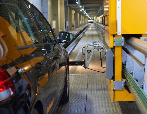 AIBA, centro de frenado automatico indoor de Continental