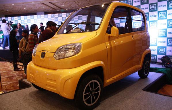 Bajaj RE60, declarando la guerra al Tata Nano