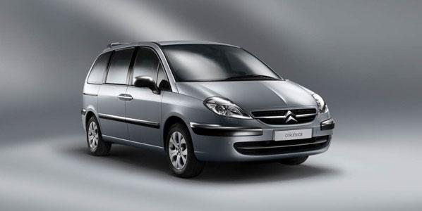 Nuevos aires para el Citroën C8