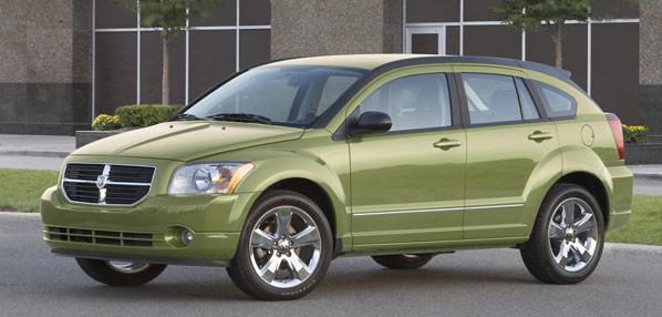 Chrysler llama a revisión al Caliber
