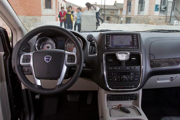 Lancia Voyager 2.8 CRD