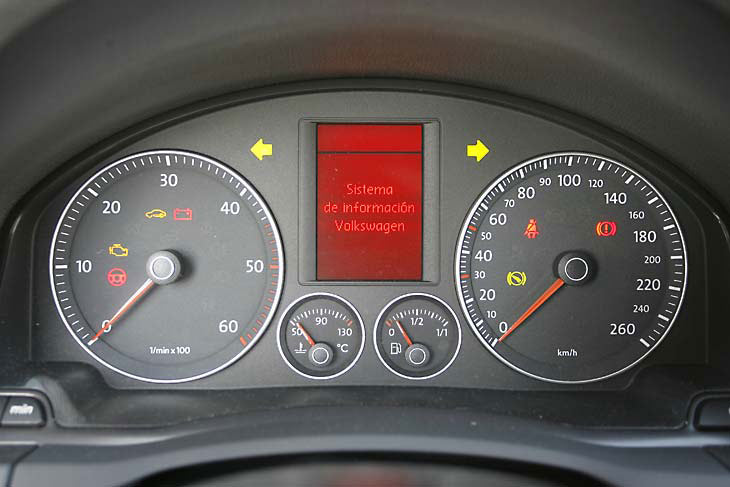 Volkswagen Golf TDI: detalle de los relojes