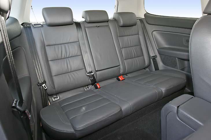 . La calidad de materiales empleada en el Volkswagen Golf TDI es más que aceptable