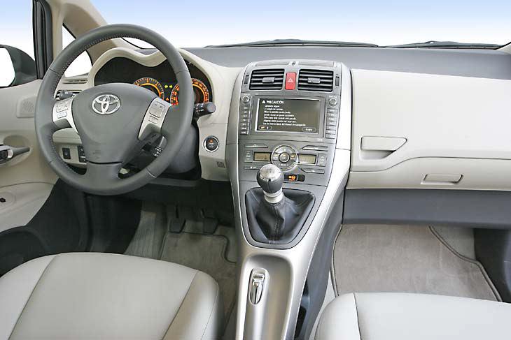 El Toyota Auris D-4D ofrece un moderno diseño interior