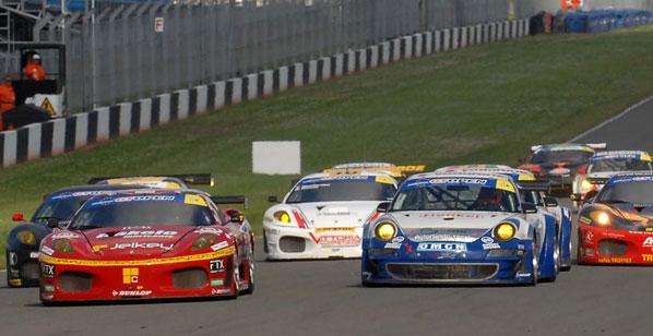 Doble victoria de Porsche