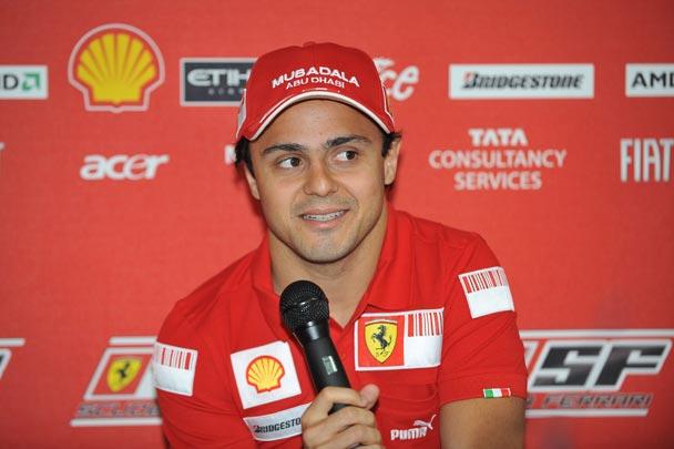 Felipe Massa se recupera en casa