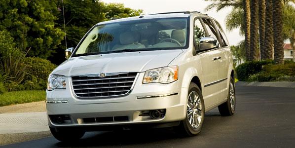Chrysler llama a revisión a 300.000 vehículos