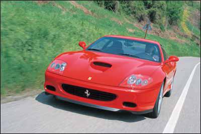 Contacto: Ferrari 575M Maranello